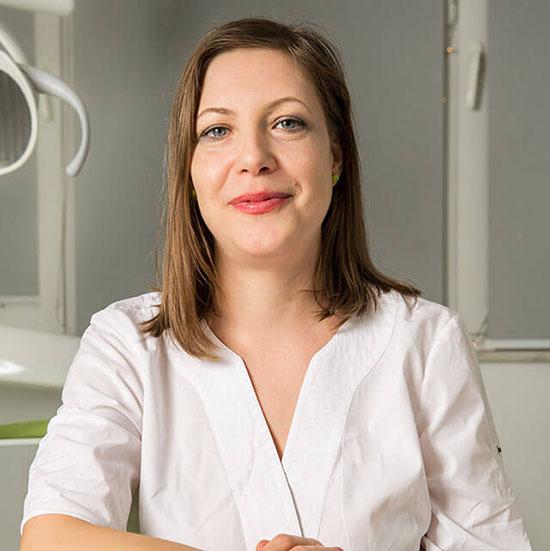 Dreossi-dental-asistenta-medicala-Nicolate-Profir